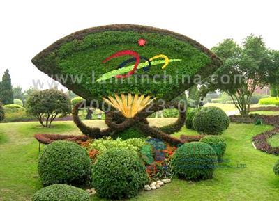 造型以植物为雕塑素材,通过精致的修剪想要的造型,进行不同形体的塑造