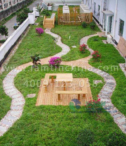 选择种植成轻型屋顶还是屋顶花园型的屋顶绿化.